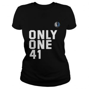 Dallas Mavericks Dirk 41.21.1 Only One 41 Ladies Tee