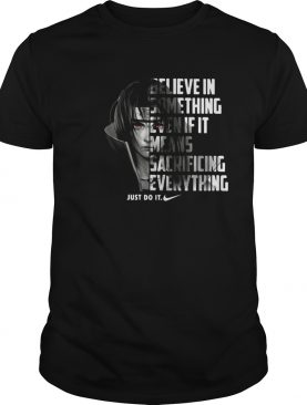 Uchiha Itachi believe in something even if it means sacrificing shirt