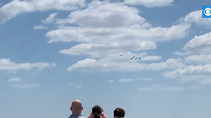 Blue Angels Salute Chicago's Frontline Workers, COVID-19 Patients; 'We Were All Very Thrilled'