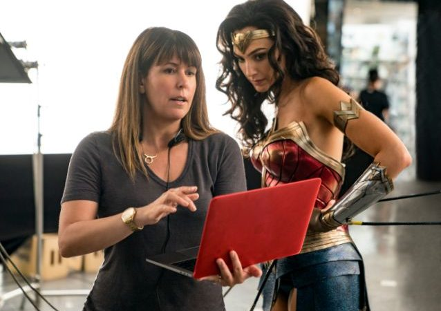 Spoilers! Why 'Wonder Woman 1984' is now and forever officially a Christmas movie