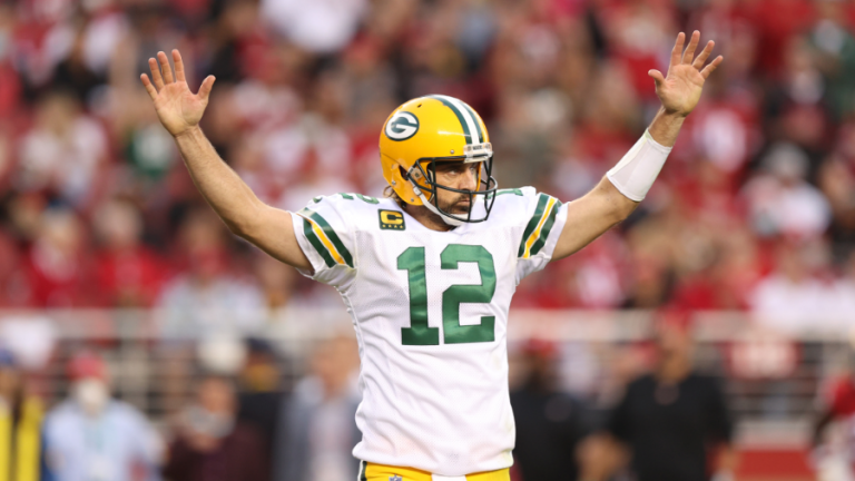 Rodgers rallies Packers past 49ers 30-28